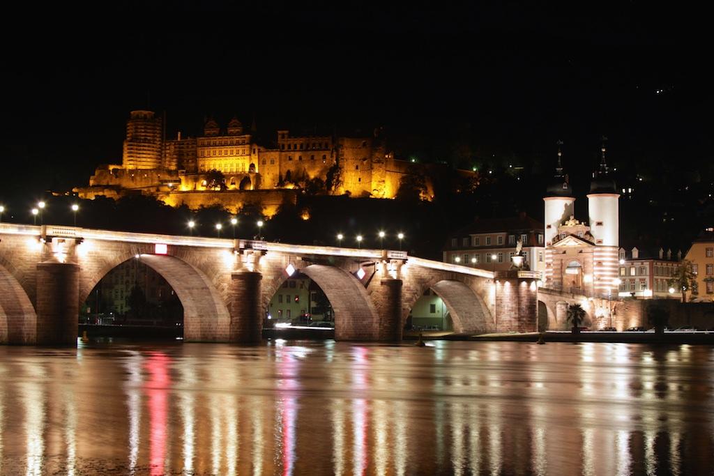 Heidelberg Blick übers alte Tor zum Schloss